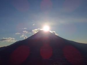 竜ヶ岳山頂からのダイアモンド富士
